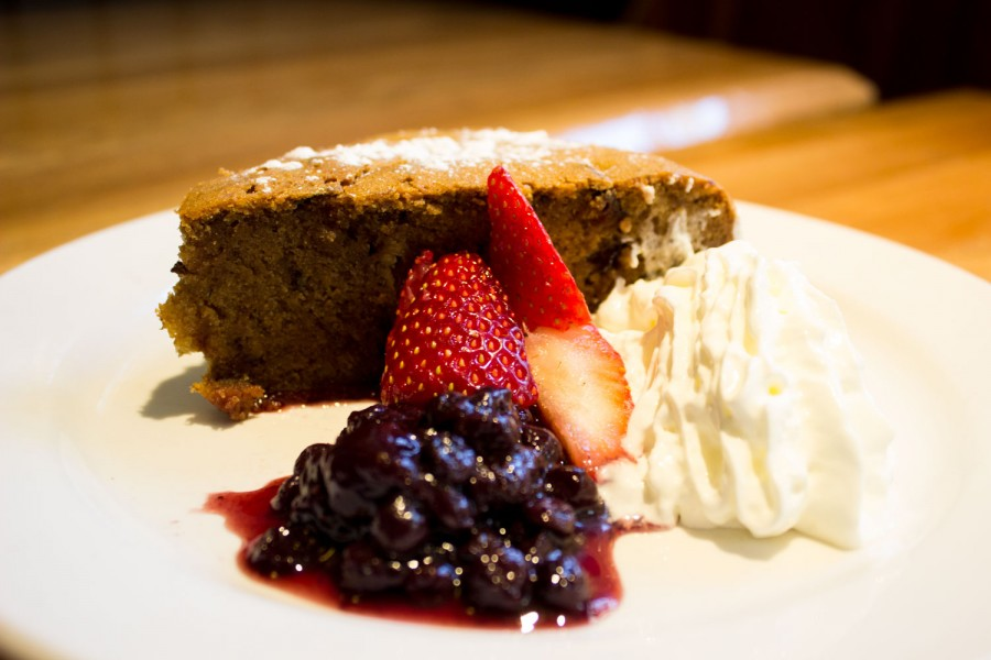 RiRa Burlington Ginger Plum Cake